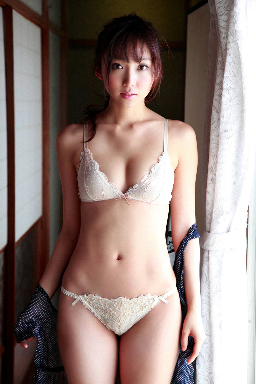 risa yoshiki sexy lingerie photos 02