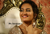 Sonakshi Sinha at Lingaa Audio-thumbnail-2