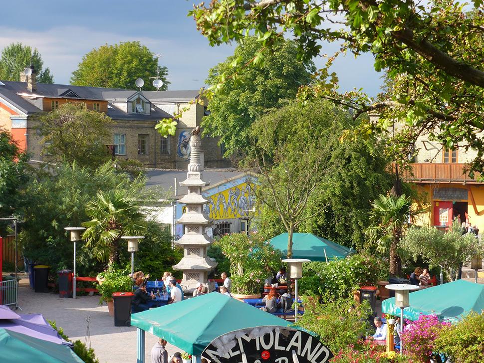 http://portalsusana.blogspot.com.es/2012/08/christiania-una-ciudad-libre.html