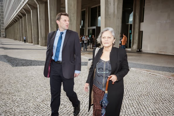 Transcript - Gerry McCann interviewed after coming out of court in Lisbon 27 Sep 2013 (ITV News report] - Page 4 Trish+Cameron+arrives+court+give+evidence+huE7lWnzfm_l