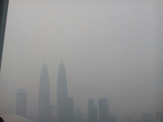 Gambar Kuala Lumpur Ditelan Jerebu [20 Oktober 2015]