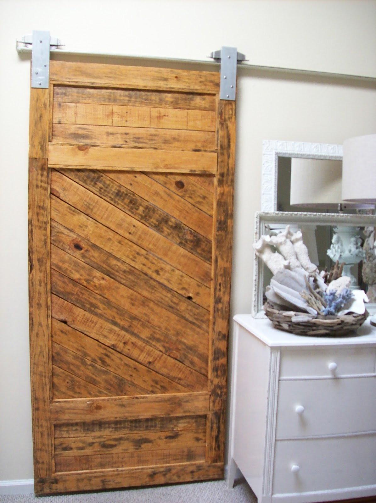 & The Pineapple Room: Barn Door