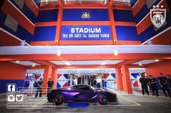 OHSEM!! Gambar Kereta Mewah Milik TMJ Cetus Perhatian... Fuyyoo Ini Baru RARE!!
