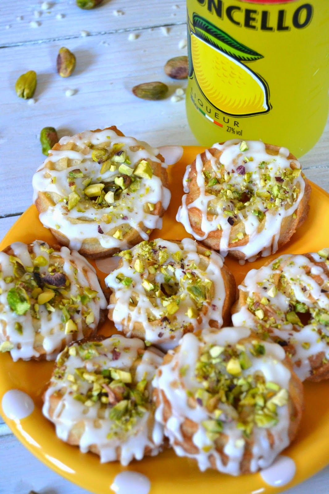 Pistachio & Limoncello Cookies - The Ultimate Party Ring