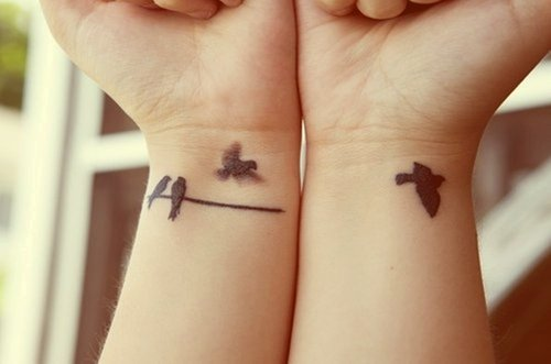 Photo Tatouage de poignet Mondial Tatouage 29 08 2016 - image de tatouage poignet