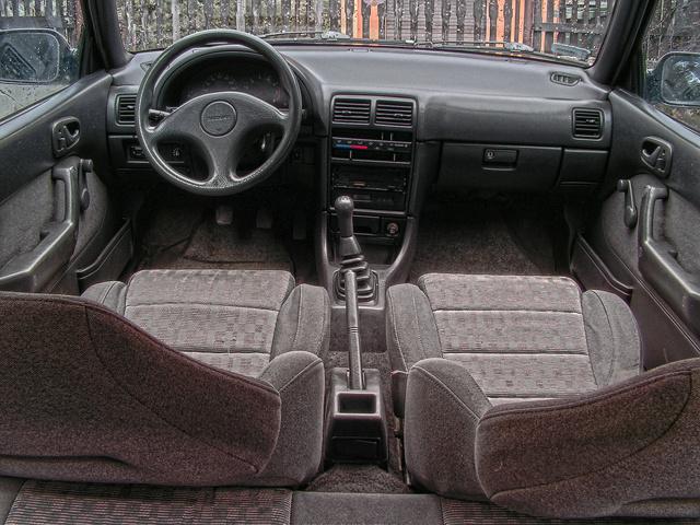 Suzuki Swift II, MK3, wnętrze, staryjaponiec