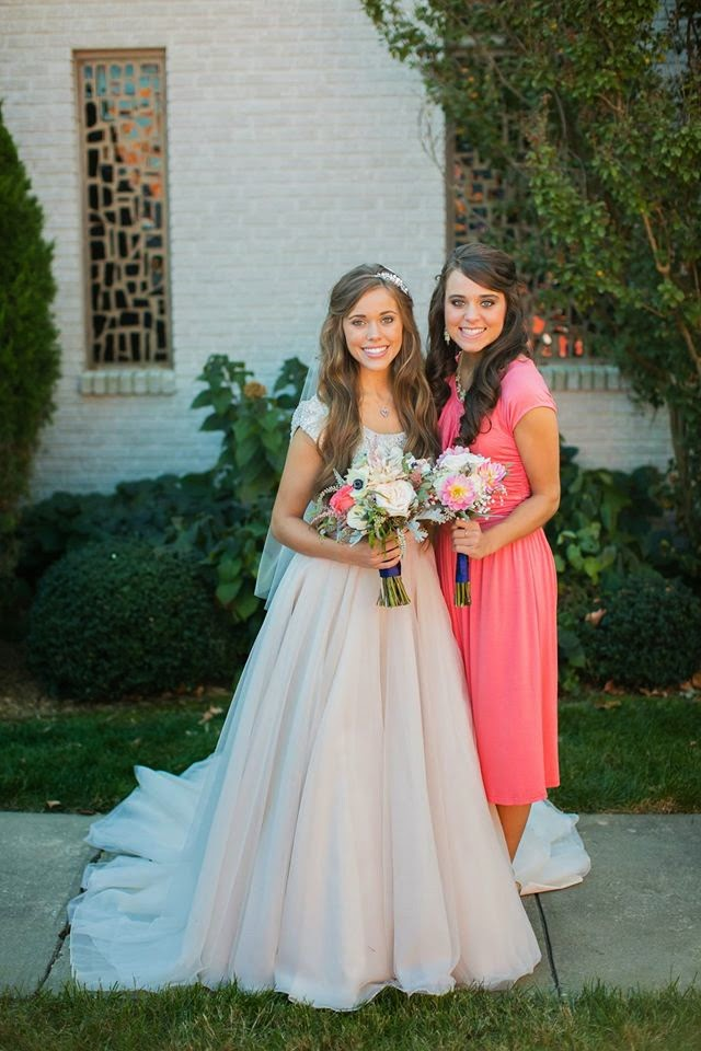 The duggar family blog jessa 39 s side of the wedding party for Jessa duggar wedding dress