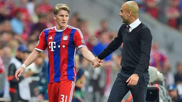 Pep Guardiola pone en duda la condición física de Bastian Schweinsteiger