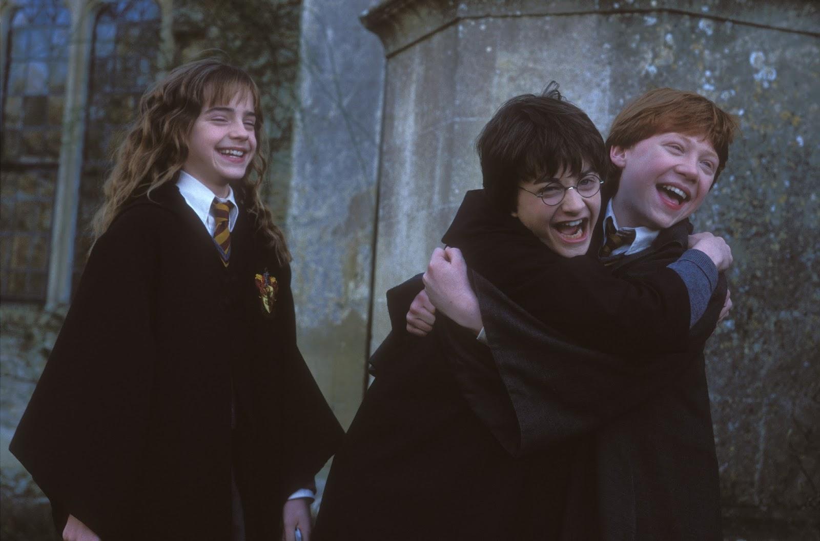 Harry Potter É A Pedra Filosofal throughout estante de opiniões: harry potter e a pedra filosofal