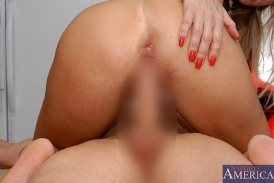 Vicky Vette_catches younger stud_4