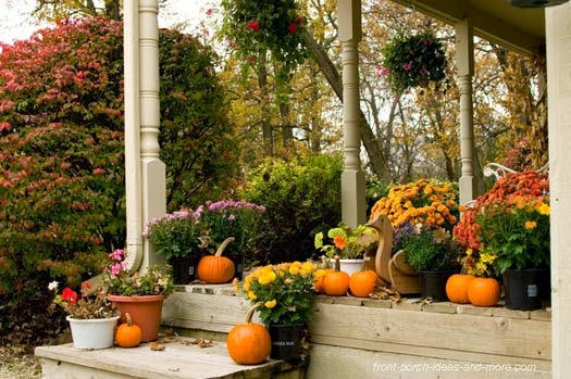 10 Fun Fall Porch Decorations: beautiful fall front porches