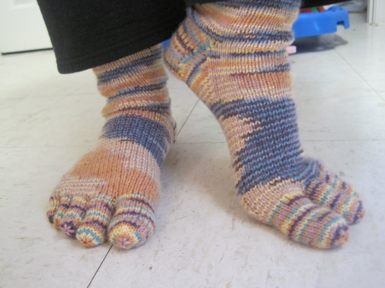 Two Little Cs: My First Time Knitting Socks