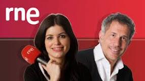 LA ESTACIÓN AZUL: Programa de radio para amantes da literatura (domingos).