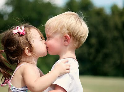 Cute kids kissing all about love cute kids kissing thecheapjerseys Gallery