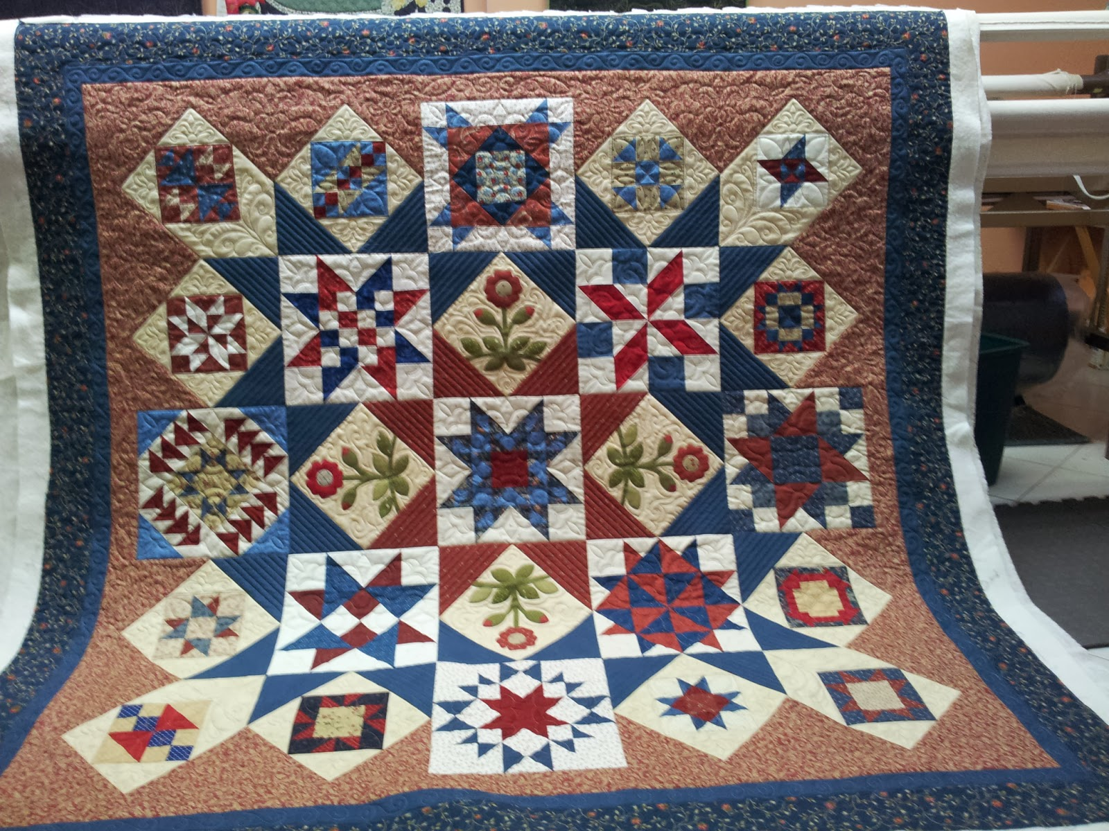Caledonia Quilter Sampler Quilt And Red Hat Breakfast