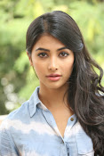 Pooja hegde gorgeous photo shoot-thumbnail-18