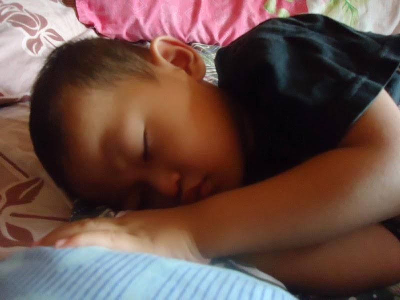Ditinggal merantau saat anak tidur terlelap