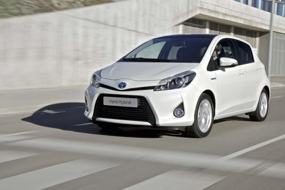 toyota yaris hybrid full hd wallpaper top car bike photo. Black Bedroom Furniture Sets. Home Design Ideas
