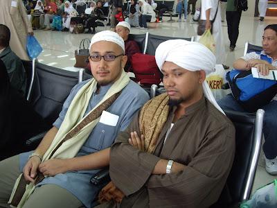 jumpa sahabat semasa transit di Jeddah
