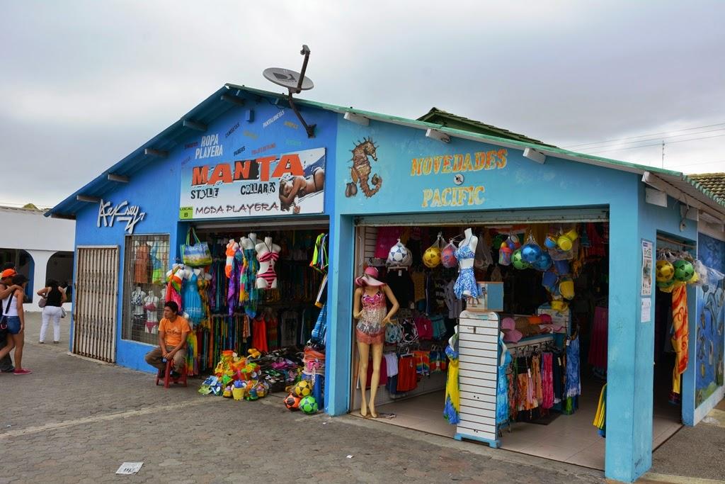 El Murciélago Beach Manta shopping