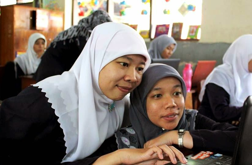 Ust. Afifah | Ust. Aning