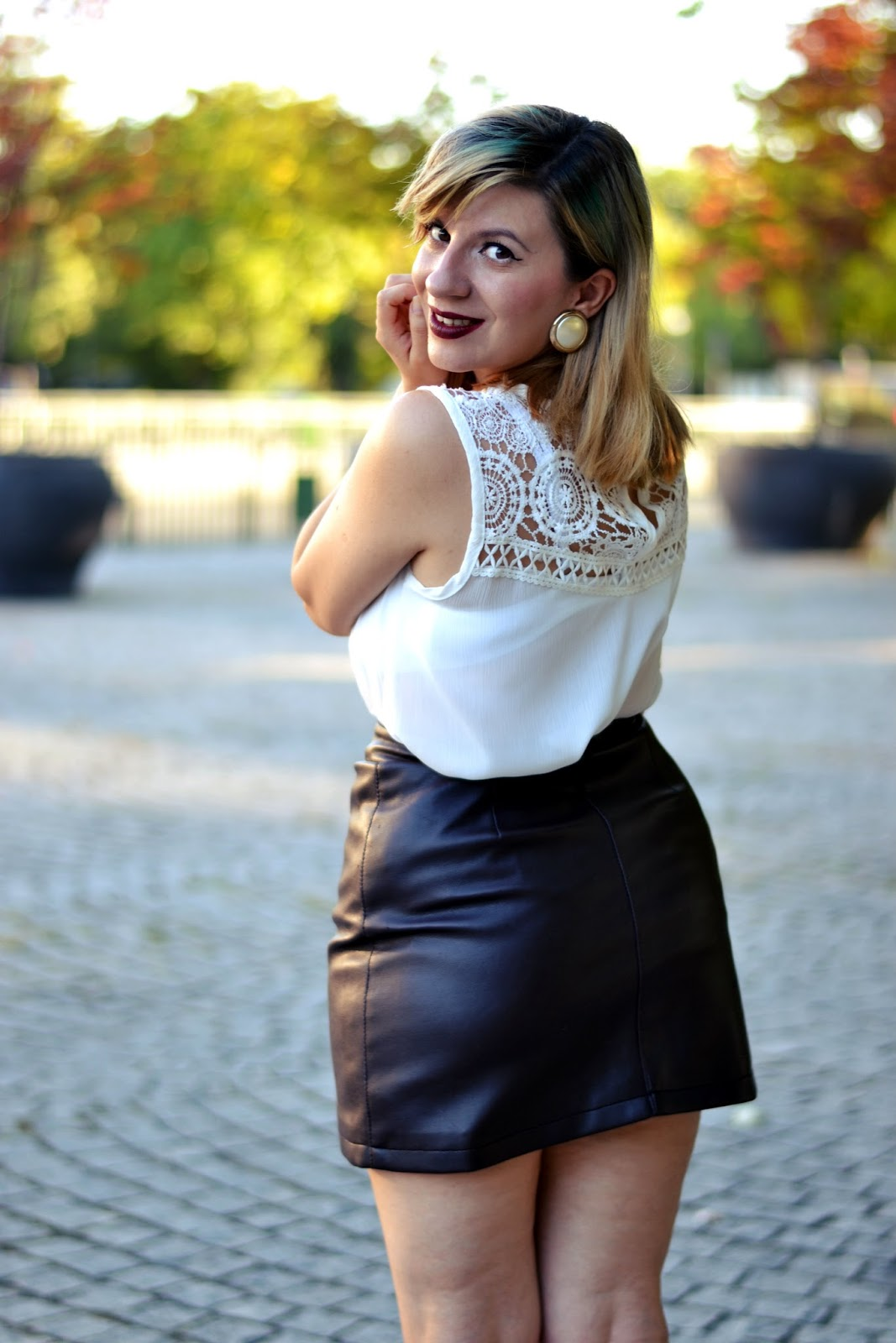 Leather mini skirt instagram | Global trend skirt blog