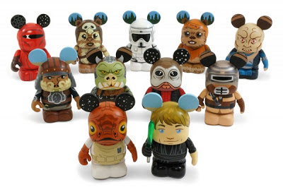 Vinylmation Star+Wars+Vinylmation+Series+3+-+Admiral+Ackbar,+Jedi+Master+Luke+Skywalker,+Lando+Calrissian+in+Skiff+Guard+Disguise,+Gamorrean+Guard,+Nien+Nunb,+Boushh+(Pricness+Leia),+Emperor%E2%80%99s+Royal+Guard,+Ewok+Logray,+Imperial+Biker+Scout,+Ew