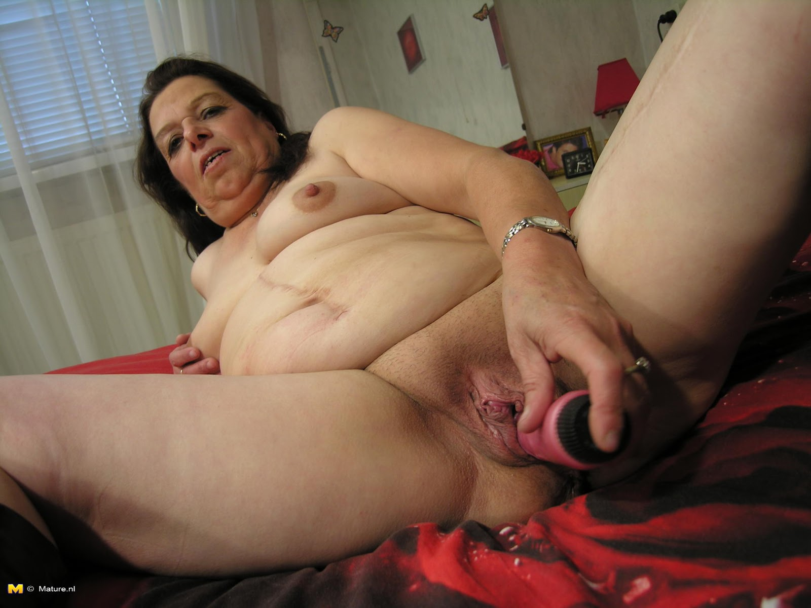 Moms massive fuck hole