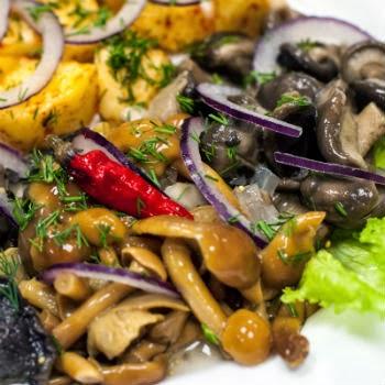 Салат грибное лукошко из опят рецепт фото