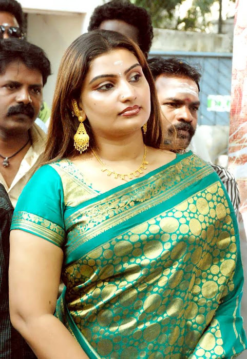 babilona in saree spicy hot images