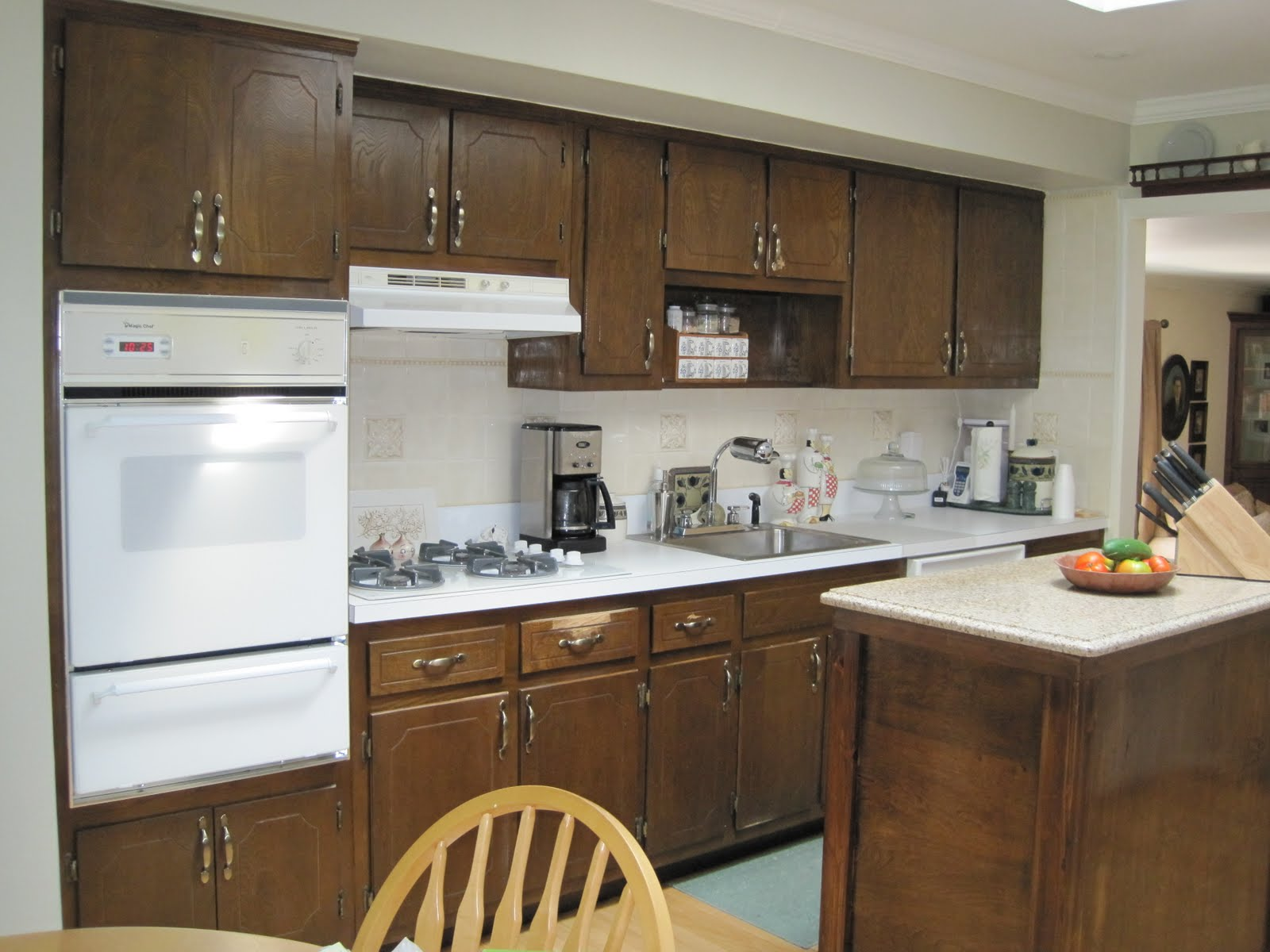 Kitchen Transformation Before And After: Rust-oleum Cabinet Transformation: Rust-oleum Cabinet