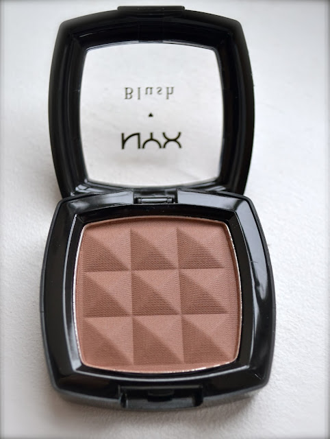NYX Taupe blush