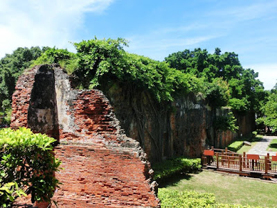 The red bricks used for wall fortress Fort Zeelandia