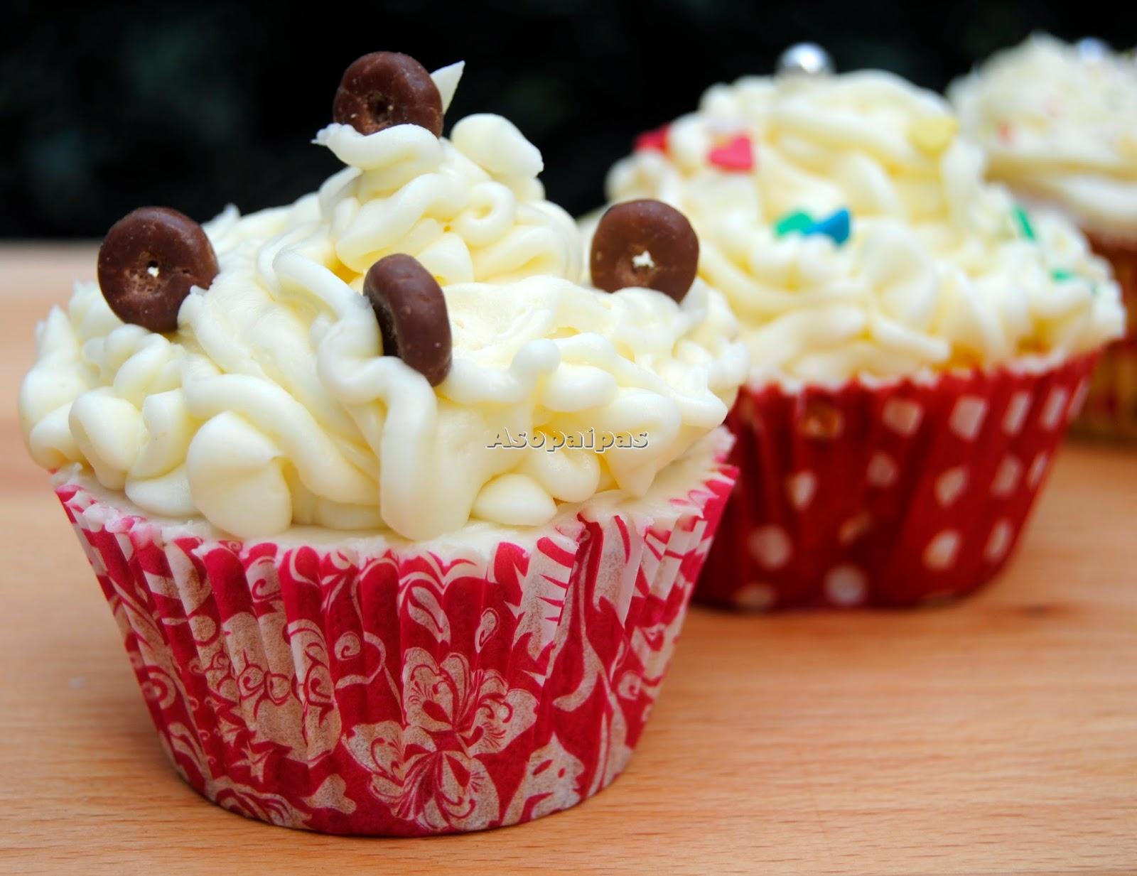 http://www.asopaipas.com/2014/04/cupcakes-de-chocolate-blanco.html