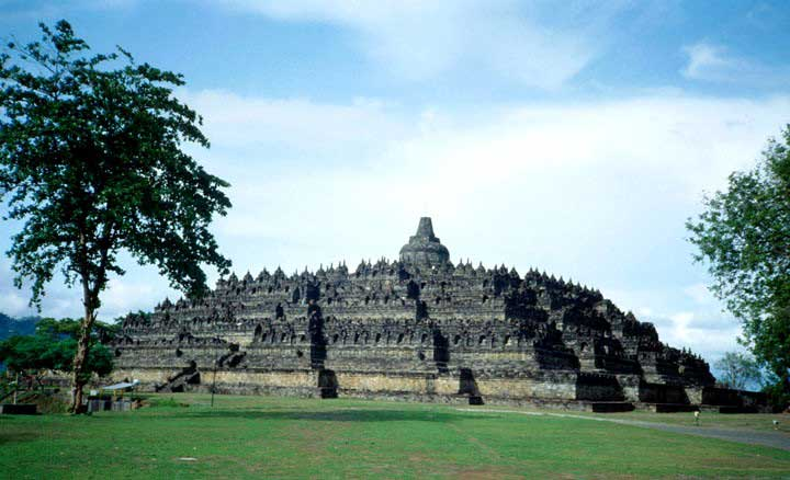Travel Asia - Indonesia - Central Java - Borobudur Buddhist Temple