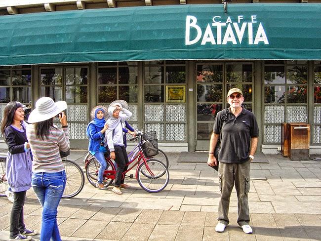 Cafe Batavia en Plaza Fatahillah