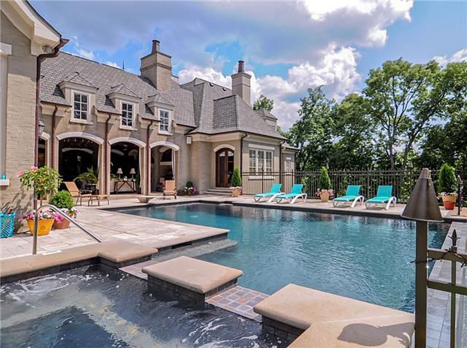Celebrity WOW Houses: Tim McGraw, Dolly Parton, Other ...