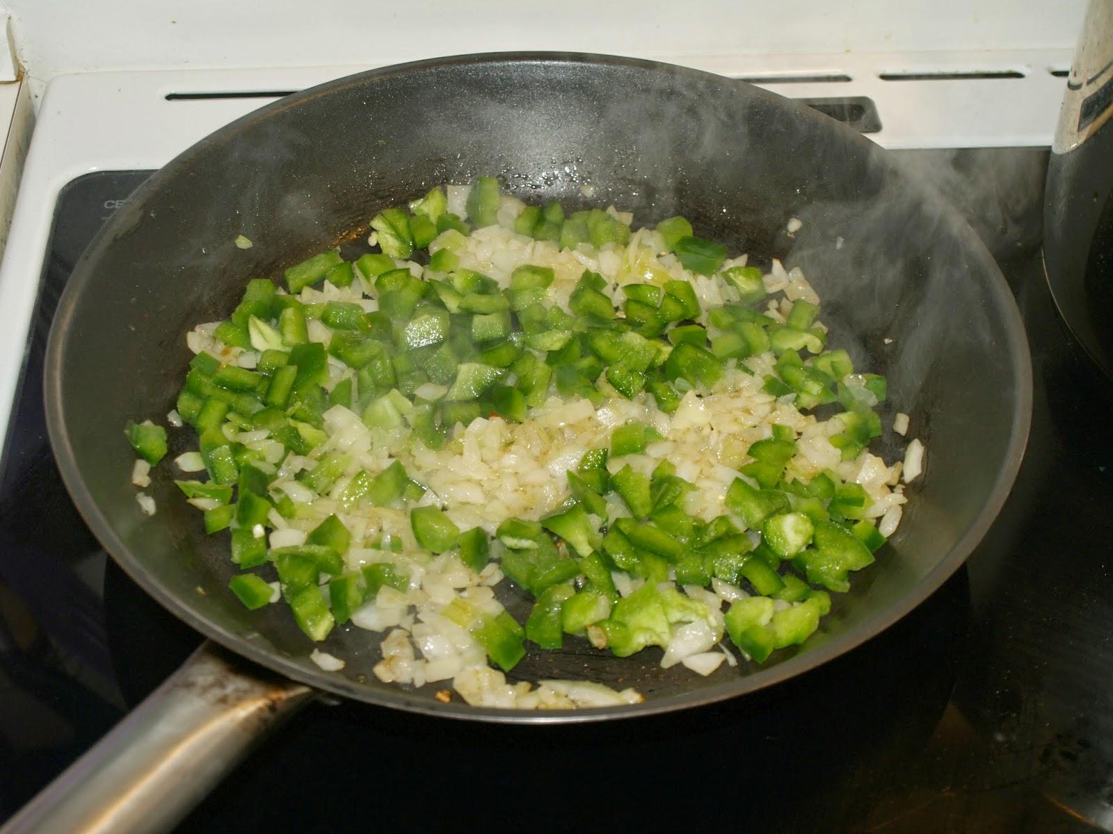 Mins cocina menemen huevos revueltos turcos con salsa for Cocinar huevos 7 days to die