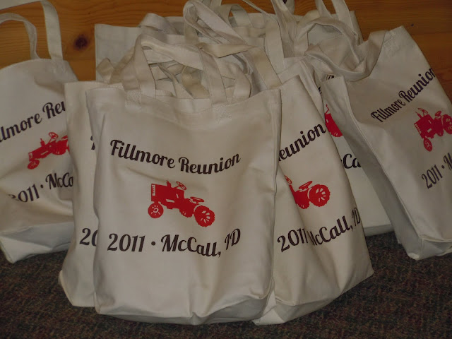 A Britt Without Boys: Family Reunion Welcome Bags