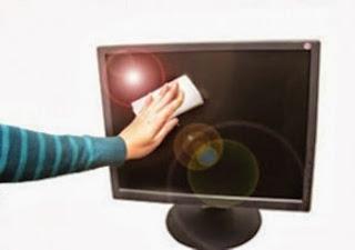 Cara Membersihkan LCD Monitor