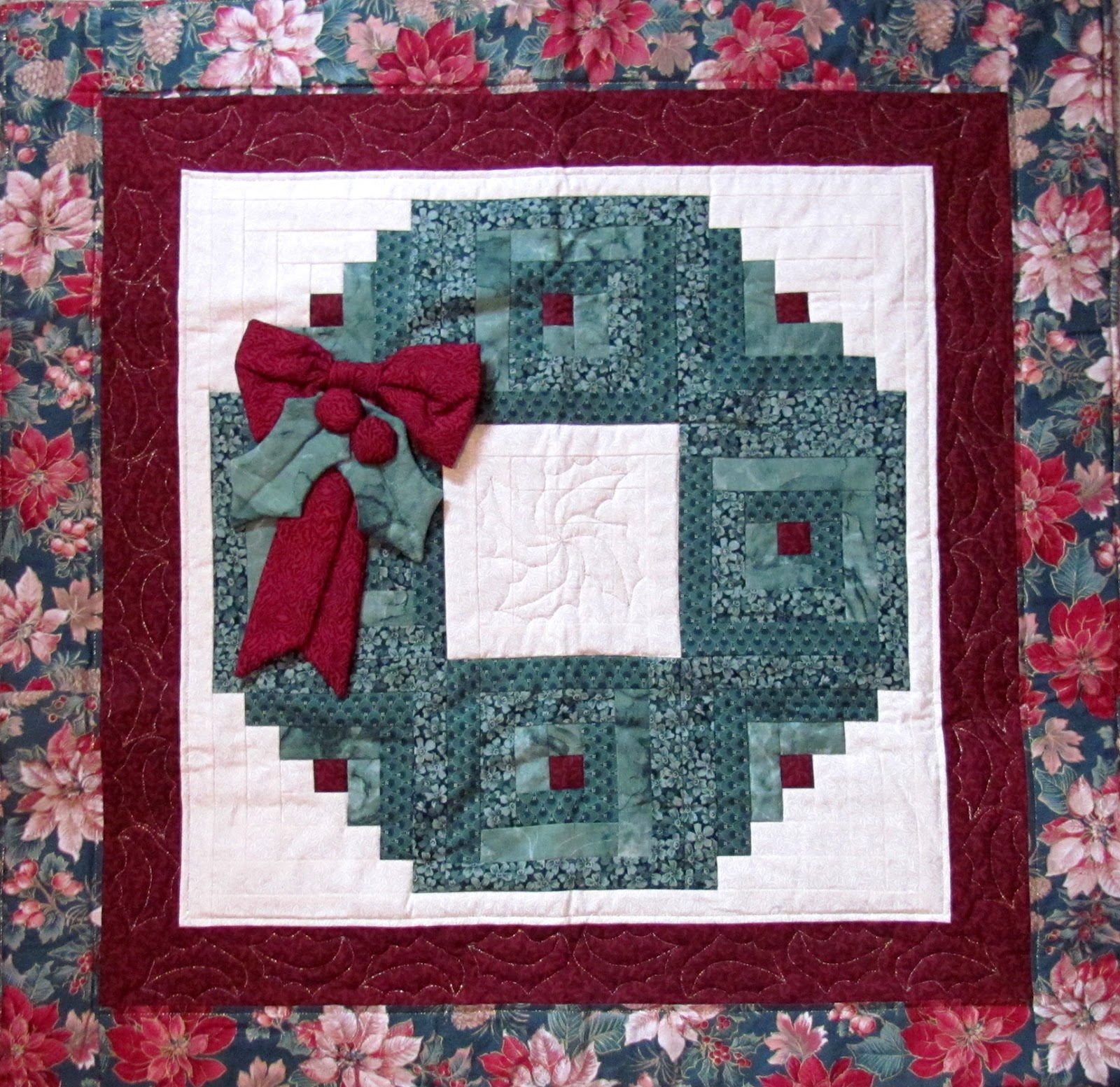 Quilt Pattern For Christmas Wreath : The Proficient Needle: CHRISTMAS PAST