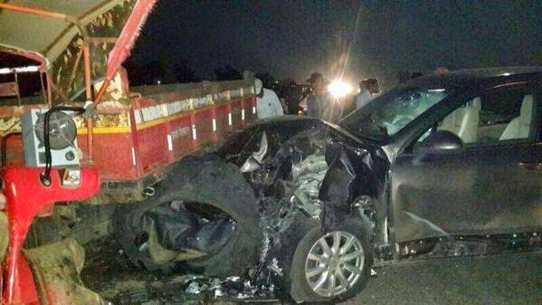 Arjun Kapoor's father Boney Kapoor gets injured in a car accident Images