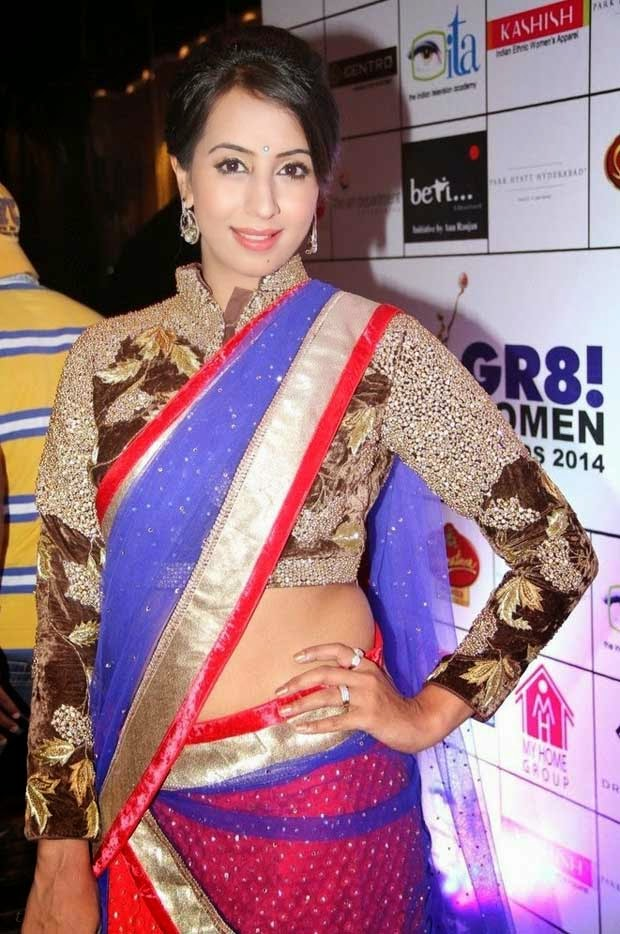 Sanjana at GR8! Women Awards 2014