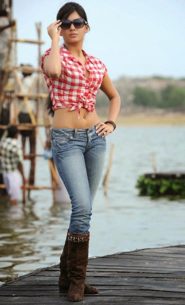 Samantha Hot Photos In Mini Shorts