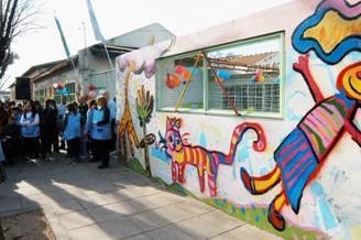 San martin se descubrio un mural en un jardin de infantes for Jardin belen villa ballester