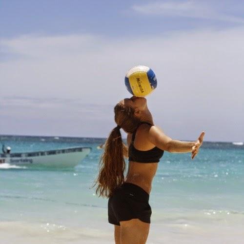 las chicas deportistas amateur más calientes están aquí para lucir cuerpazo , sexys , bellas y amantes del deporte , chica sexy 1x2