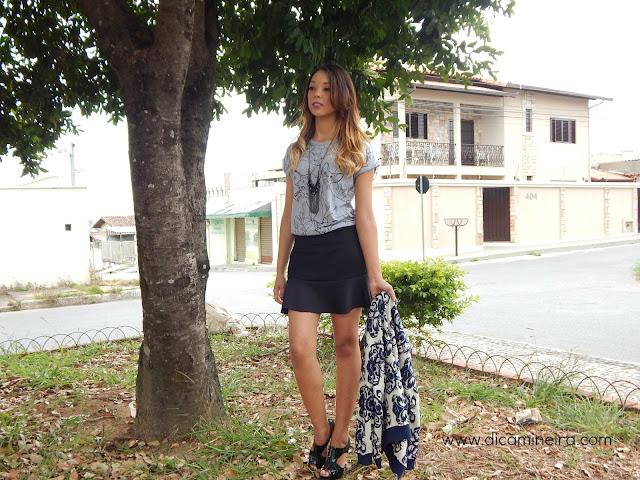 Look: Suéter Vintage e T-Shirt Gatinhos