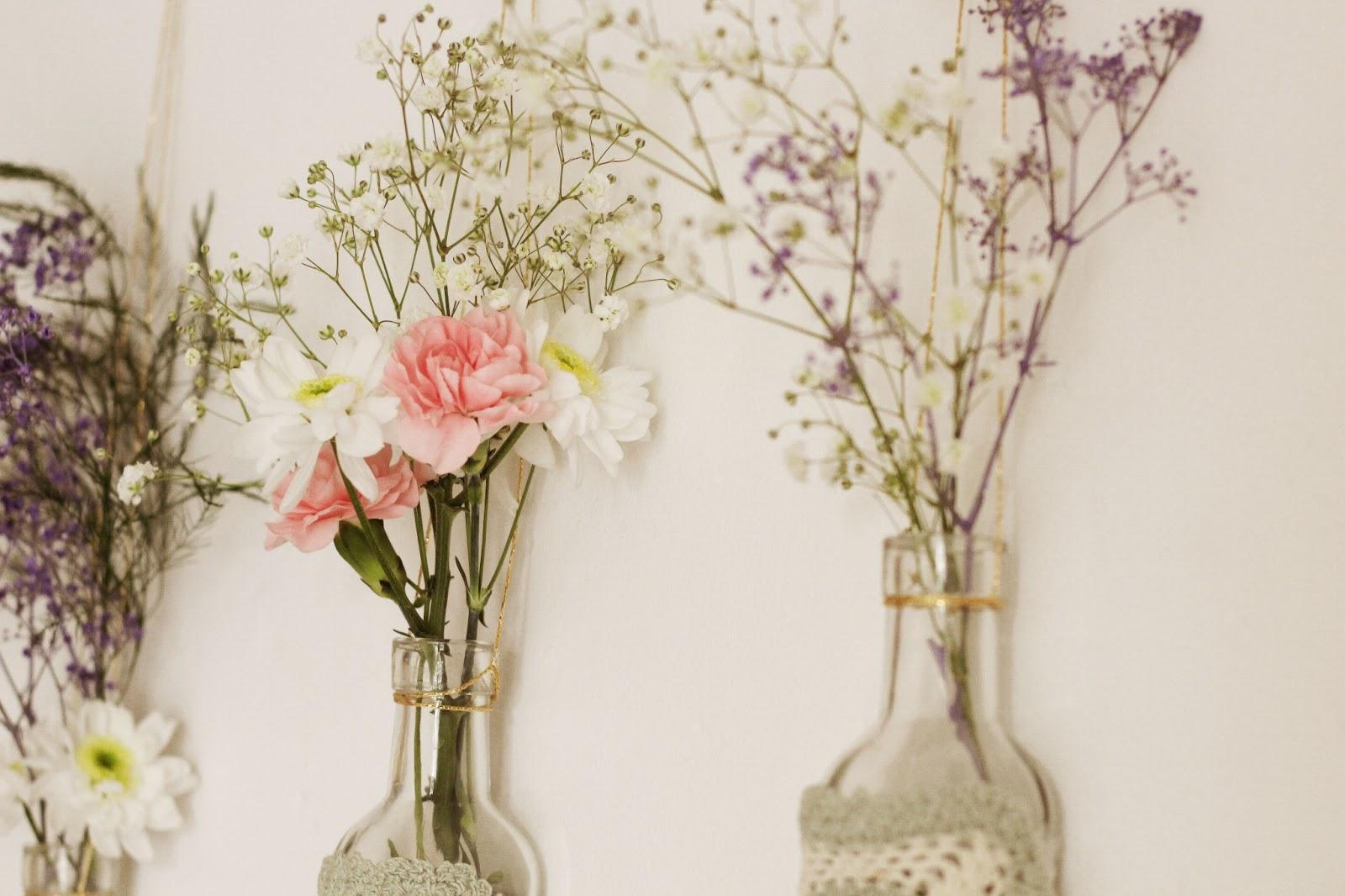 DIY flower wall hangings