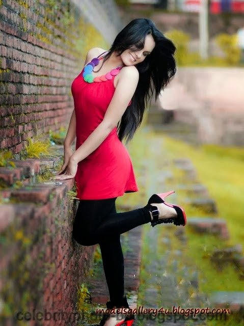Hasin+Roushan+Bangladeshi+Popular+Models+Unseen+Hot+Photo+2014006