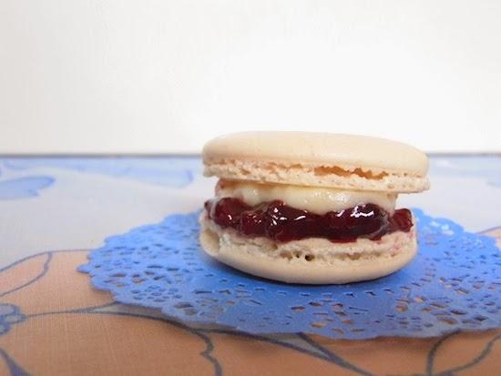 Bakewell Tart Macaron